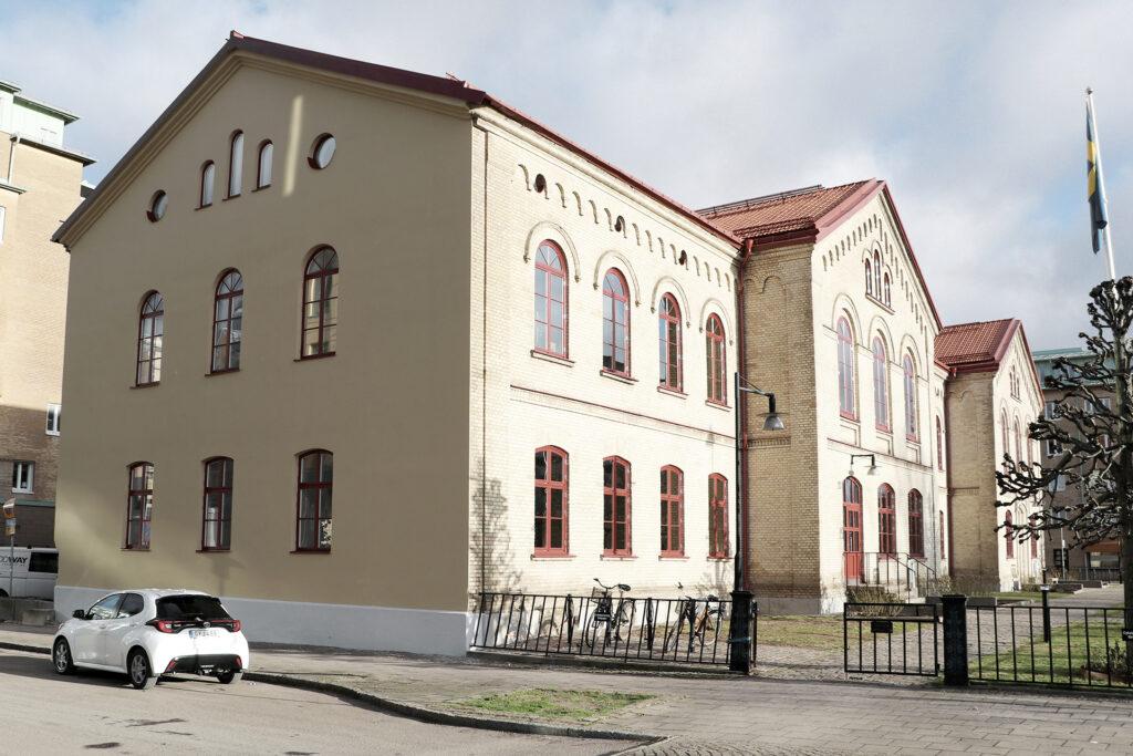 Efter avslutat takbyte, fönster och fasadrenovering kontorsfastighet i Göteborg - Kaborn Jensen Bygg AB