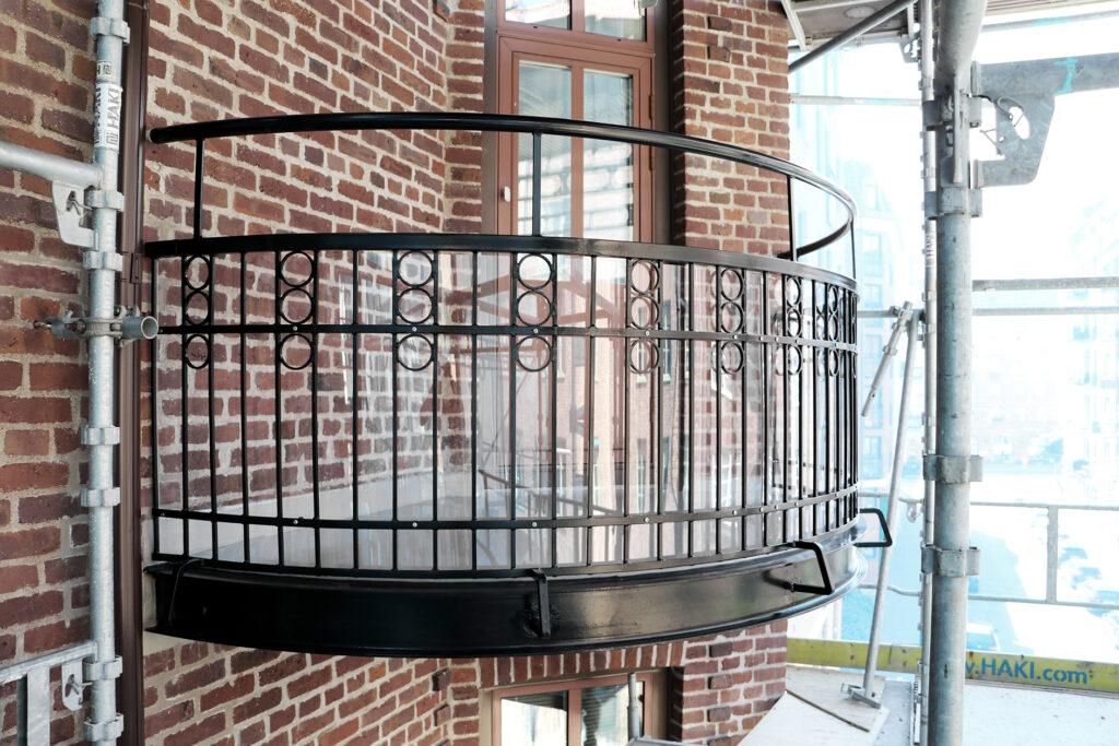 Renovera balkonger med smidesräcken brf i Göteborg - Kaborn Jensen Bygg AB