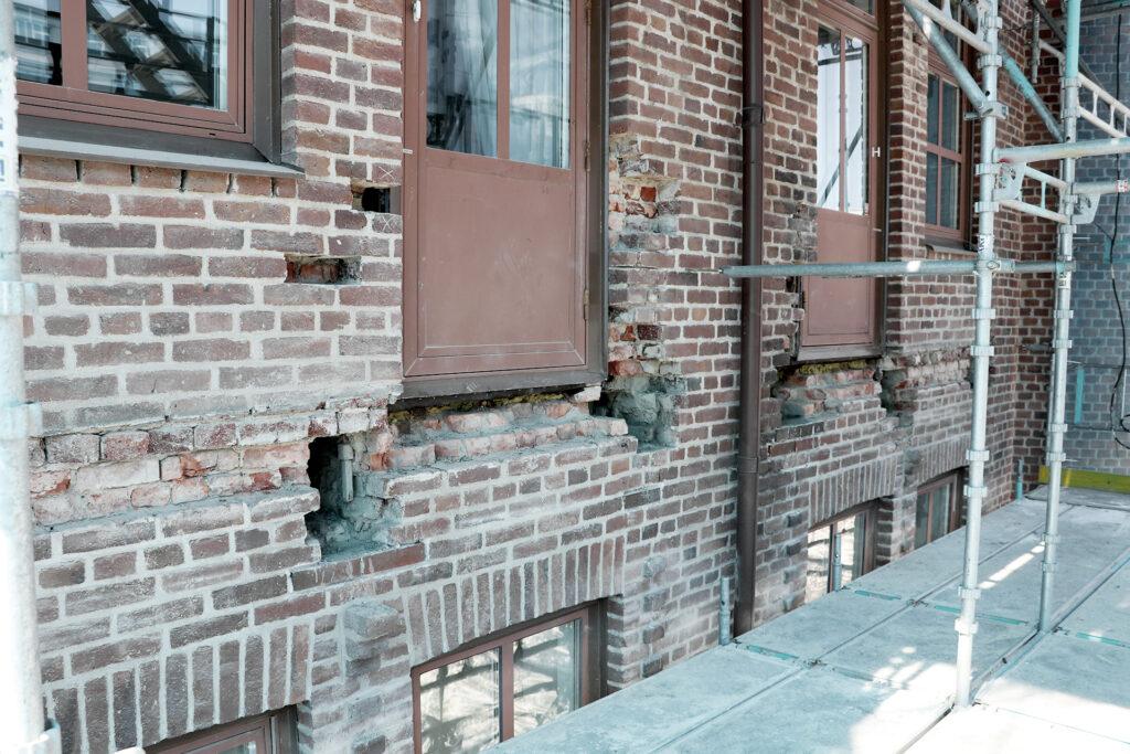 Pågående renovering av balkonger, brf i Göteborg - Kaborn Jensen Bygg AB